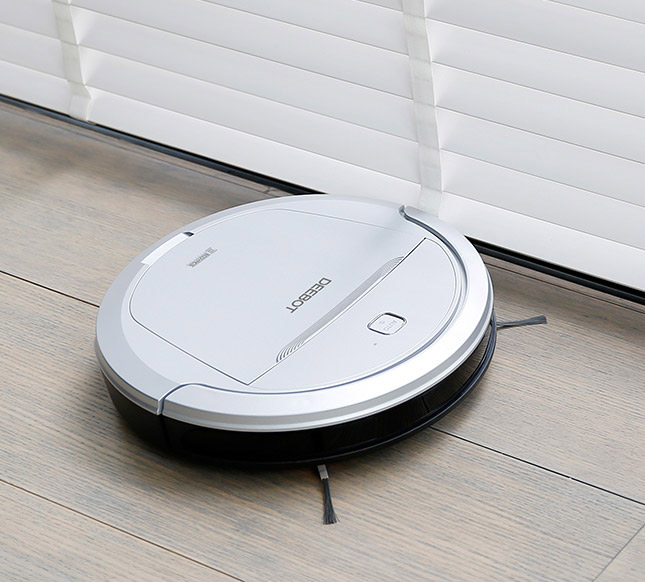 selling_point_1498480579Robot-Vacuum-Cleaner-DEEBOT-81-Pro-(Europ-Silver)-4.jpg