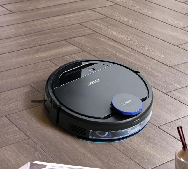 selling_point_1503998090Robot-Vacuum-Cleaner-DEEBOT-OZME930-18.jpg